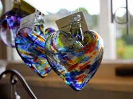 sanibel island s gift offers affordable handcrafted jewelry suncatchers candles spinners by local and nationwide artisans