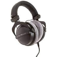10 Podcast Headphones You Should Be Using
