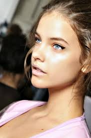 do you apply concealer under your eyes dark bags under the eyes are unsightly and they definitely age you caking on concealer is only likely to draw