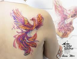 тату акварель феникс на спине тату цветная птица акварель на