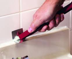 removing caulking from bathtub how