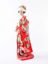結婚式は和装が着たい白無垢色打掛引き振袖の種類や髪型を知ろう