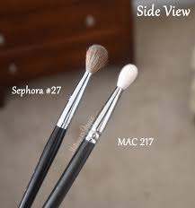 sephora collection pro blending brush 27 20 the bristles are made with natural goat hairs and feel just as soft as the 19 and mac 217