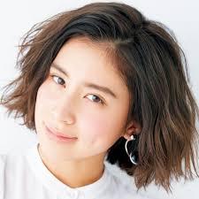 ミディアムの髪型ヘアスタイル別人気女性ファッションモデル一覧 51
