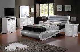 Modern Bedroom Modern Contemporary Bedroom Set Italian Platform - Contemporary bedrooms sets