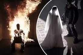 Kanye West sets himself on fire ...