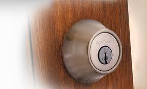 lock door. Kwikset Deadbolt Lock Door