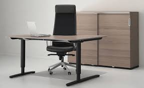 the ikea bekant sitstand desk adjusts with the press of a button bekant desk sit stand screen