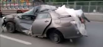 Toyota Corolla Wreck Refuses to Die, Pulls a Hilux Invincibility ...