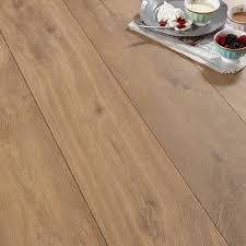 Bq Kitchen Laminate Flooring Calando Mid Natural Oak Effect Laminate Flooring 159 Ma2 Pack