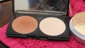 make up for ever s sculpting kit es in 4 diffe shades pictured is shade 2