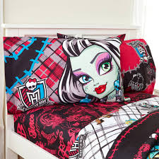Bedroom: Fun Ideas For Girl Bedroom With Cute Monster High Comforter ...