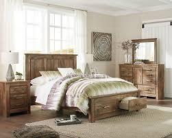 NATRUAL 5 PIECE Queen bedroom set with fleur de lis symbol ...