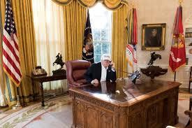desk oval office. Donald Trump Working Oval Office Desk