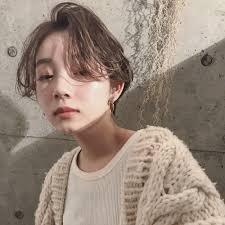 かきあげ前髪が似合わない女性の特徴似合う人との違いは顔立ち輪郭