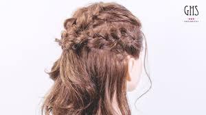 顔周りをスッキリさせる編み込みハーフアップヘアアレンジ ロング 髪型