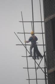 hong kong scaffold builder bethandgavin man building scaffolding
