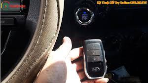 Chìa khóa ô tô hết pin Cách thay pin Mở cửa cốp Khởi động xe hơi nhanh