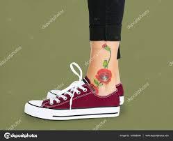 Květinové Tetování Na Kotník Stock Fotografie Rawpixel 137088784