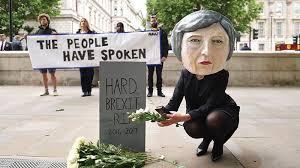Resultado de imagen para may y el hard brexit