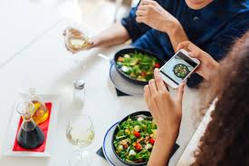Meal Tracking The 2 Food Tracking Apps Recommended By A Nutritionist The