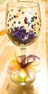 make wine glass decorations tags for your birthday party