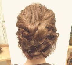 仕事後の女子会に簡単につくれるヘアアレンジ術華やかくるりんぱ