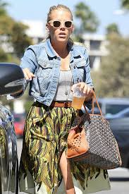 At six years old, hilary duff moved with her mother to california to pursue her dreams of acting. Celebrities Love Their Goyard Bags Amazing Dupes