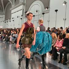 Galliano Italian Designer Maison Margiela Extends John Gallianos Design Contract