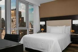 garden inn suites new york. Hilton Garden Inn New York - Times Square Central: Guestroom Queen Suites