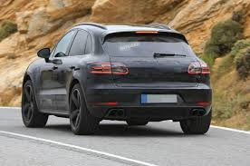 porsche macan restyling 2018. modren restyling the porsche suv also receives upgraded headlights with altered led  graphics although the overall shape of headlight clusters remain same as those  to porsche macan restyling 2018 h