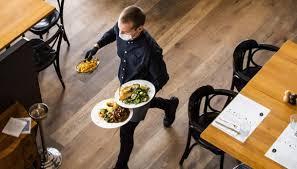 Le Regioni spingono per riapertura ristoranti anche di sera