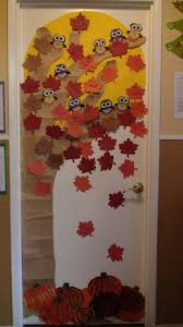 Image Halloween The Thanksgiving Tree Classroom Door Diy Projects By Big Diy Ideas 53 Classroom Door Decoration Projects For Teachers