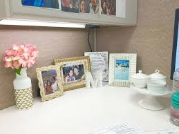 Image cute cubicle decorating Cube Ordinary Cute Cubicle Decorating Ideas Top 25 Best Cute Cubicle Ideas On Pinterest Decorating Myaperturelabscom Ordinary Cute Cubicle Decorating Ideas Top 25 Best Cute Cubicle