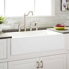farm kitchen sink faucets
