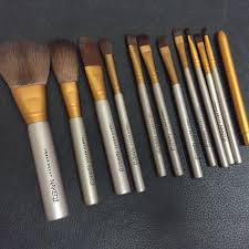 urban decay brushes. for this price, urban decay naked 3 power brush set is simply a very good deal. fake or not, the performance pretty impressive, especially if you want brushes