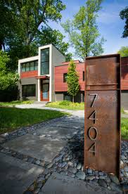 house number design letterbox modern architecture front garden with gravel