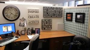 How To Decorate Office Cubicle Office Cubicle Decor How To Decorate