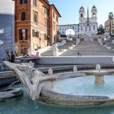 Ein breiter dreigeteilter aufgang führt auf die erste terrasse. Rom Spanische Treppe Nach Restaurierung Wieder Eroffnet Der Spiegel