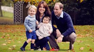 Family Photo Royal Family Releases New Christmas Portrait Announce Georges