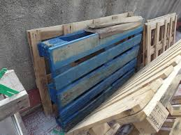 There are some pallets which are labeled with color depending on the  company that produced them. Blue pallets are produced by pool CHEP; Red  pallets by pool ...