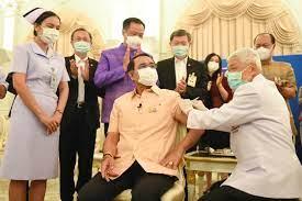 พล.อ.ประยุทธ์ ฉีดแล้ว วัคซีนโควิด-19 แอสตร้าเซนเนก้าเข็มแรกของไทย -  workpointTODAY
