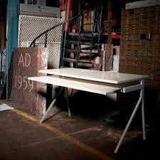 Multimedia desk / wooden / powder-coated steel / contemporary - 51