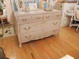 shabby chic paint colorsHow to Paint Shabby Chic Furniture