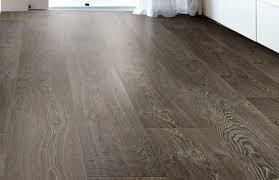 bề mặt sản phẩm sàn gỗ kaindl áo