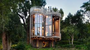 Malan Vorsters treehouse like residence offers views of Cape Town