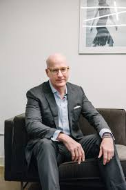 Peter Arnold to Become President of YMA Fashion Scholarship Fund – WWD