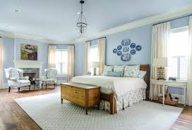 Luxurious traditional bedroom blue and white bedroom decoratively ...