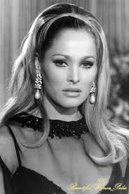 Most Beautiful Woman Of All Time Most Beautiful Actresses Of All Time Beautiful Women Pedia