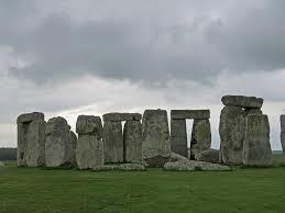 Последние твиты от stonehenge (@eh_stonehenge). Uk 2019 Day 1 Stonehenge White Horse Lonely Birder